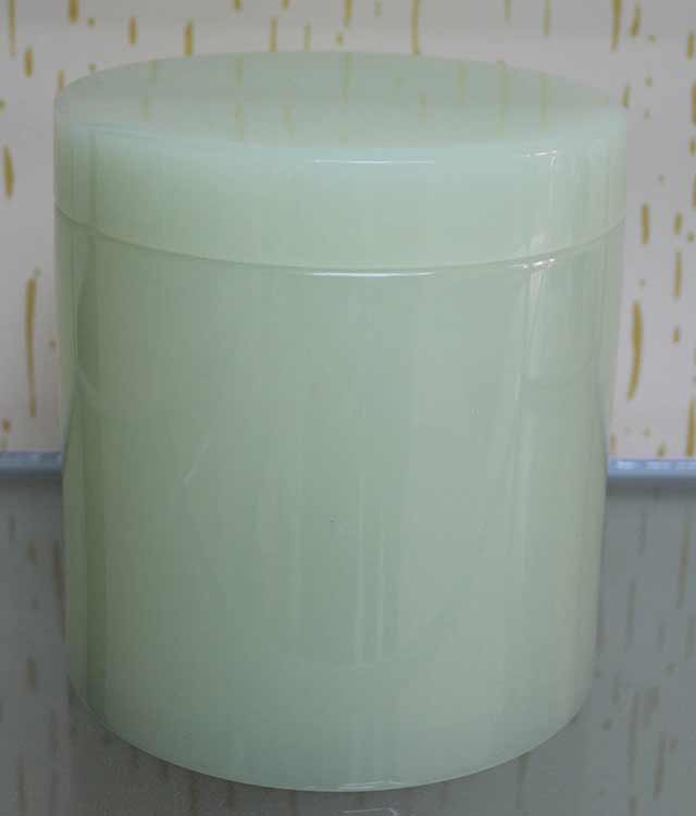 Round Shape Small Green Jade Urn